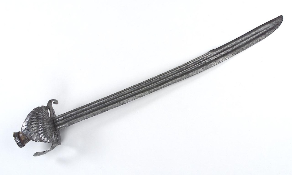 rmm-cutlass-17th-century